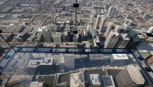 Balkon widokowy na Willis Tower w Chicago, najwyższym budynku w USA