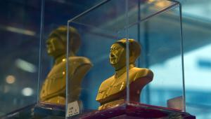 Chiny, Mao Zedong ze złota