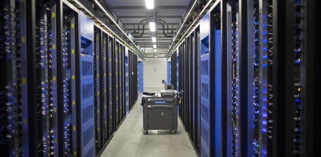 Serwerownia w nowym centrum przechowywania danych Facebook w pobliżu koła podbiegunowego w szwedzkiej miejscowości Lulea, 12. czerwca 2013.