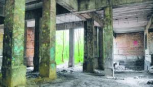 ...szpitale we Włoszech, które upadły... shutterstock