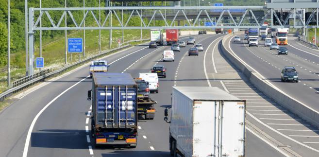 bramownica-autostrada-TIR