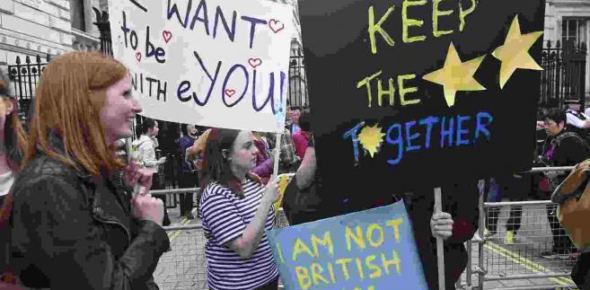 Protesty Brytyjczyków sprzeciwiających się Brexitowi EPA/FACUNDO ARRIZABALAGA Dostawca: PAP/EPA.