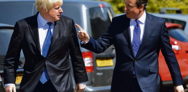 Były burmistrz Londynu Boris Johnson (z lewej) czynnie wpłynął na dymisję Camerona