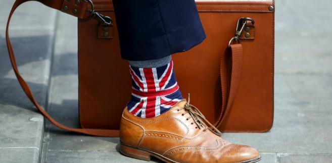Mężczyzna w skarpetkach z flagą Wielkiej Brytanii. Londyn, Wielka Brytania, 7.06.2016