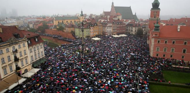 """""""Czarny poniedziałek"""" w Warszawie"""