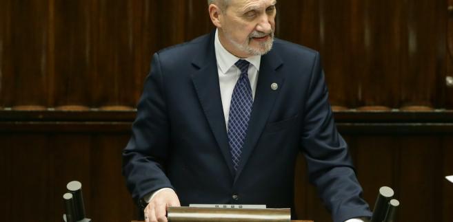 Minister obrony narodowej Antoni Macierewicz