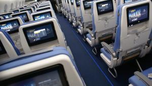 Airbus A350 - fotele klasy ekonomiczne są ustawione w układzie 3-3-3. Fot. Konrad Majszyk