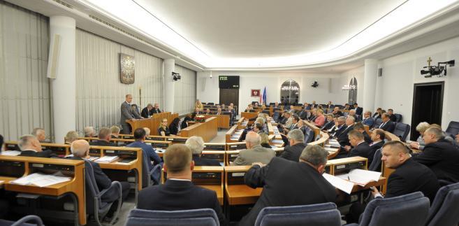 senat ustawa o SN