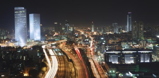 Tel Aviv nocą. Izrael. Fot. Shutterstock.