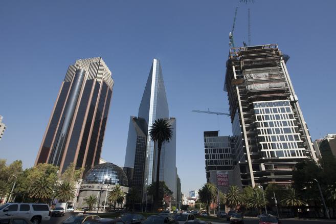 Bolsa Mexicana de Valores (BMV), budynek meksykańskiej giełdy, w środku, na ulicy Paseo de la Reforma