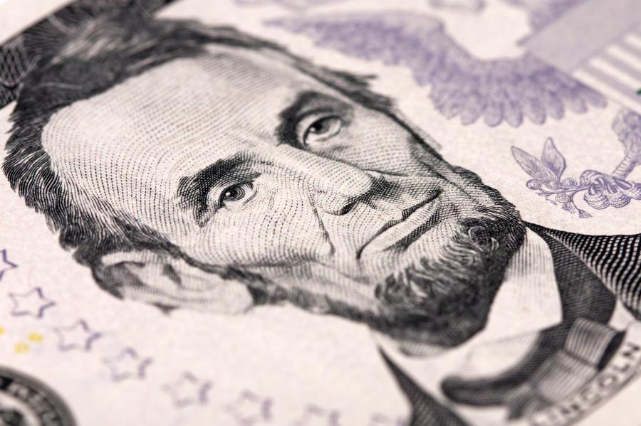 Podobizna Abrahama Lincolna na banknocie pięciodolarowym