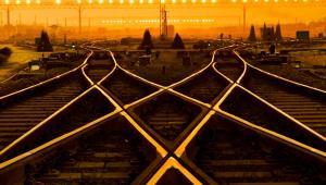 Kolej - tory dla pociągów towarowych