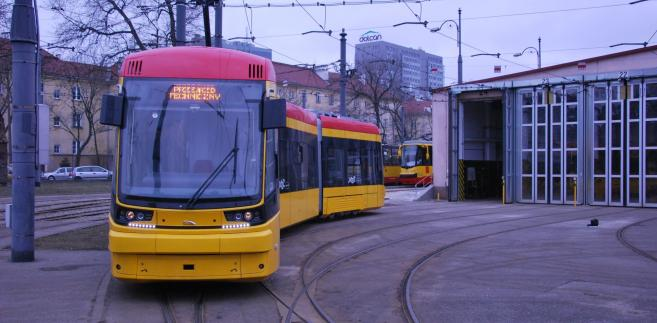 Fot. 10 Jazz dla Warszawy. Pesa dostarczyła w 2015 r. do stolicy 80 pojazdów z tej rodziny