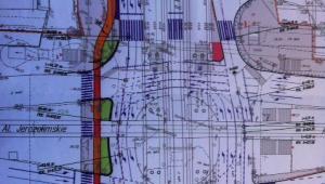 Skrzyżowania przy Dw. Centralnym (rondo 40-latka) z przejściami na powierzchni i ścieżką rowerową - plan na lato 2017