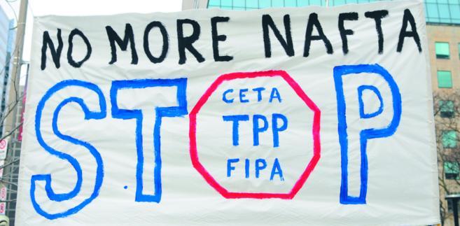 Protesty Amerykanów przeciwko nowym, globalnym umowom handlowym fot. Shutterstock