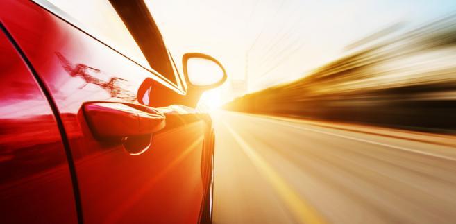 """Exeos Cars oferowała """"innowacyjny"""" model współfinansowania zakupu auta na kredyt."""
