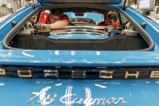 Produkcja samochodów sportowych Porsche w Stuttgarcie