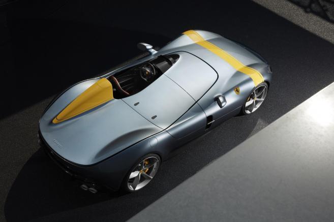Nowy Ferrari SP1