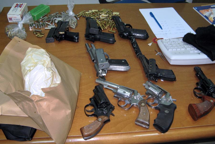 Broń i narkotyki - podstawa działania mafii