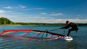 Lekcja windsurfingu, fot. Tomasz Nieweglowski