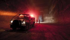 Pojazd górniczy w kopalni miedzi Polkowice-Sieroszowice należącej do koncernu KGHM, fot. Bartek Sadowski/Bloomberg