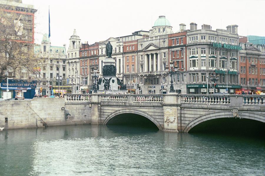 Irlandia, Dublin, nad rzeką Liffey, autor: Krochmal, licencja: Creative Commons 3.0