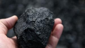 Bryła węgla, fot. Tomohiro Ohsumi/Bloomberg